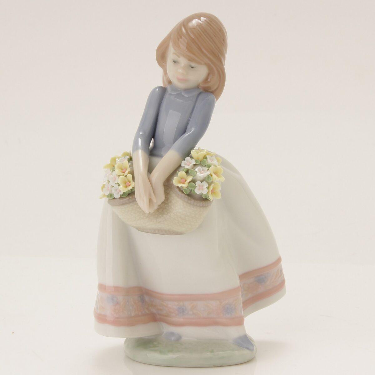 リヤドロ 05467 五月の花